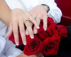 1362457_roses_n_rings.jpg