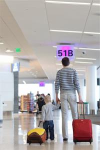 single-parent-travel-400-06092614d-(1)